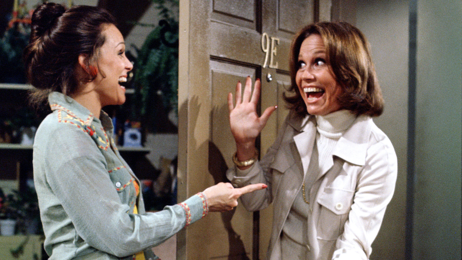 Metv And Decades Tv Will Pay Tribute To Valerie Harper Cord Cutters News