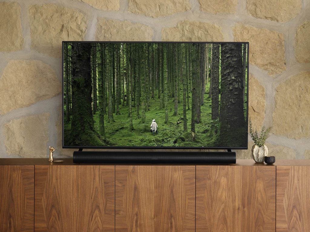 1600pSonos_Arc_With_Standing_TV